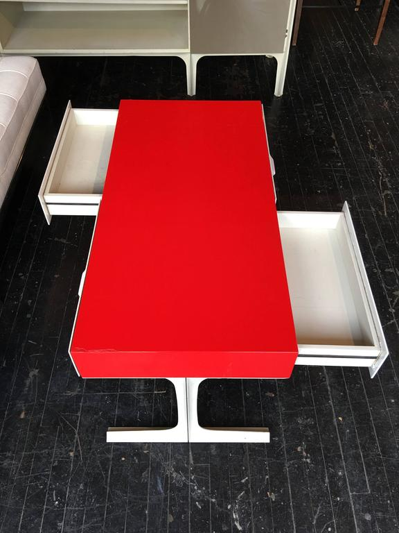 raymond loewy table basse df2000 circa 1960s at 1stdibs. Black Bedroom Furniture Sets. Home Design Ideas
