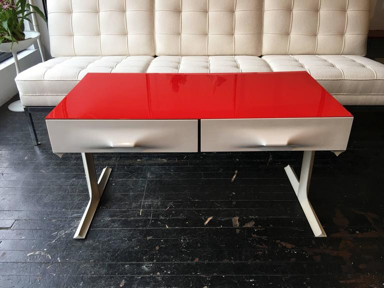 Raymond loewy table basse df2000 circa 1960s at 1stdibs - Table basse polypropylene ...