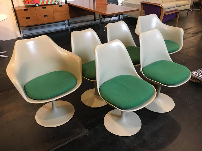 Mid-Century Modern Set of Six Eero Saarinen Tulip Chairs, 1956 Knoll International For Sale
