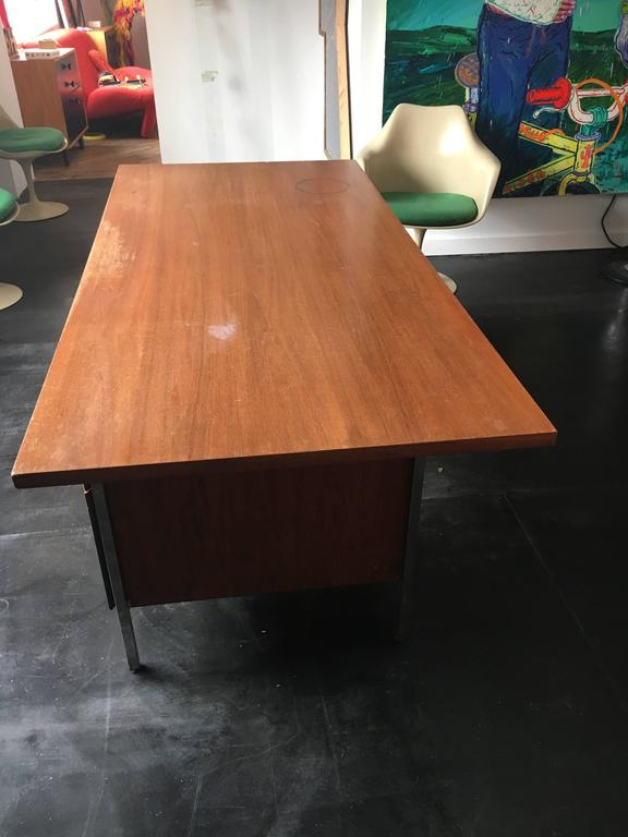 Florence Knoll Walnut Executive Desk for Knoll Associates, 1960 4