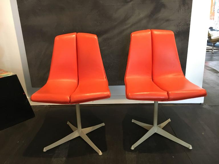 Dining chairs designed by Richard Schultz for Knoll in 1961.