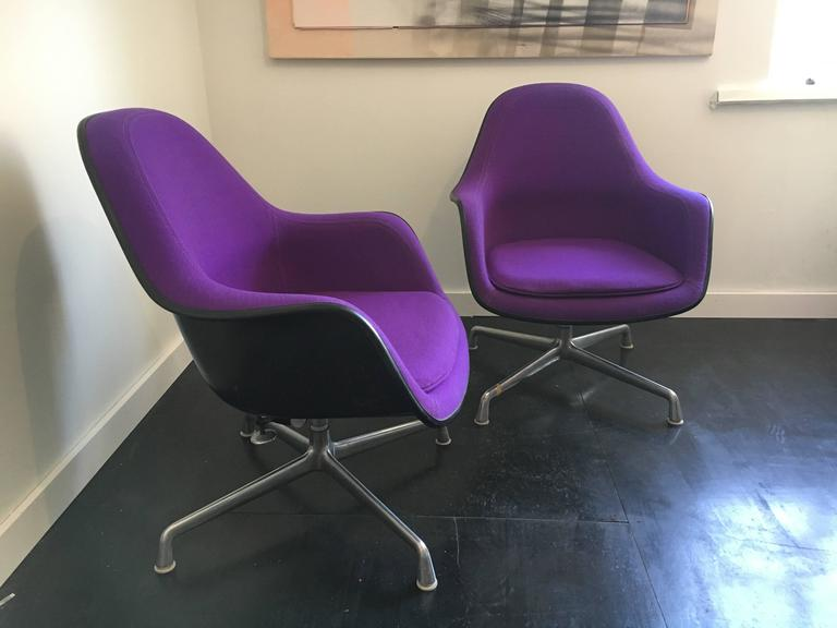 Charles & Ray Eames Ec-178 Lounge Chair Pair, Herman Miller 2