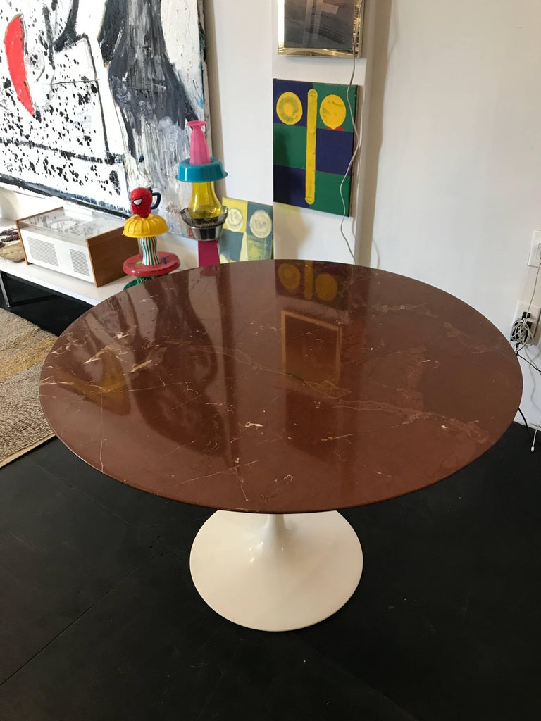 Eero Saarinen Marble Tulip Table Knoll In Excellent Condition For Sale In Brooklyn, NY