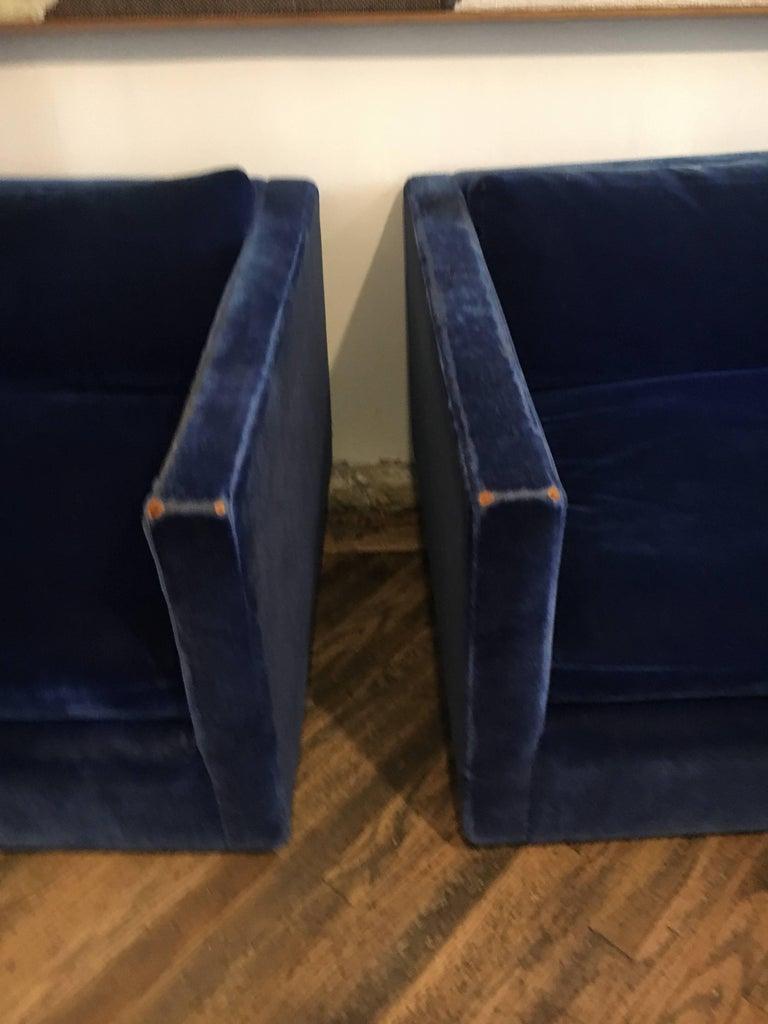 Velvet Sectional Sofa by Charles Pfister for Knoll For Sale 2
