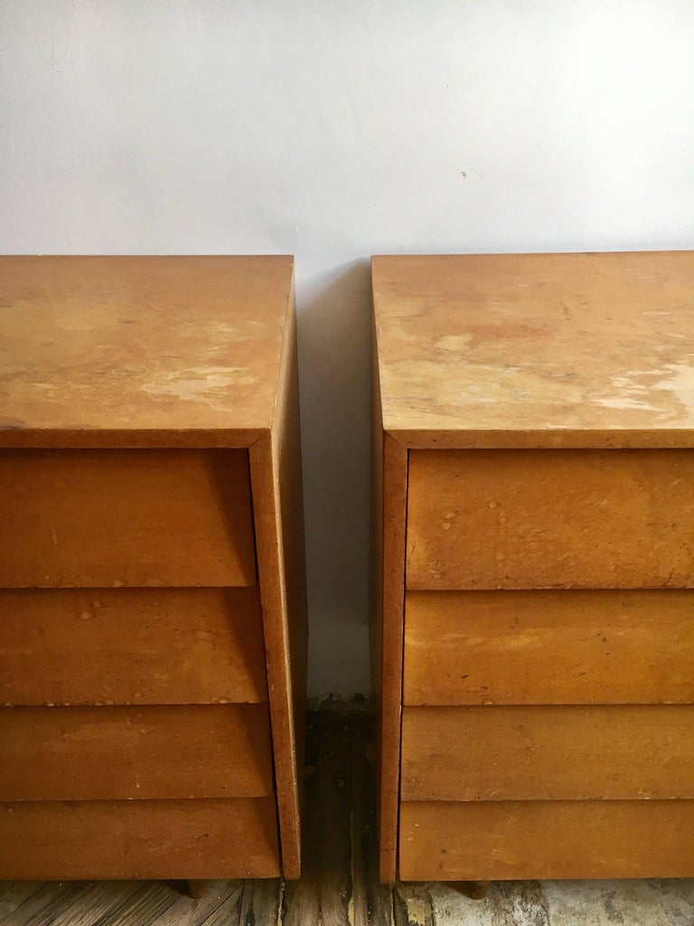 American Pair of Florence Knoll Four-Drawer Maple Chests For Sale