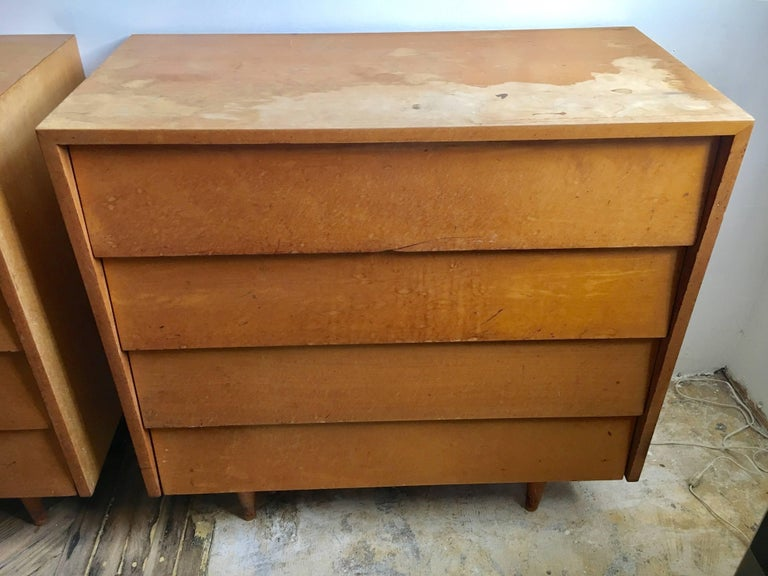 Mid-20th Century Pair of Florence Knoll Four-Drawer Maple Chests For Sale