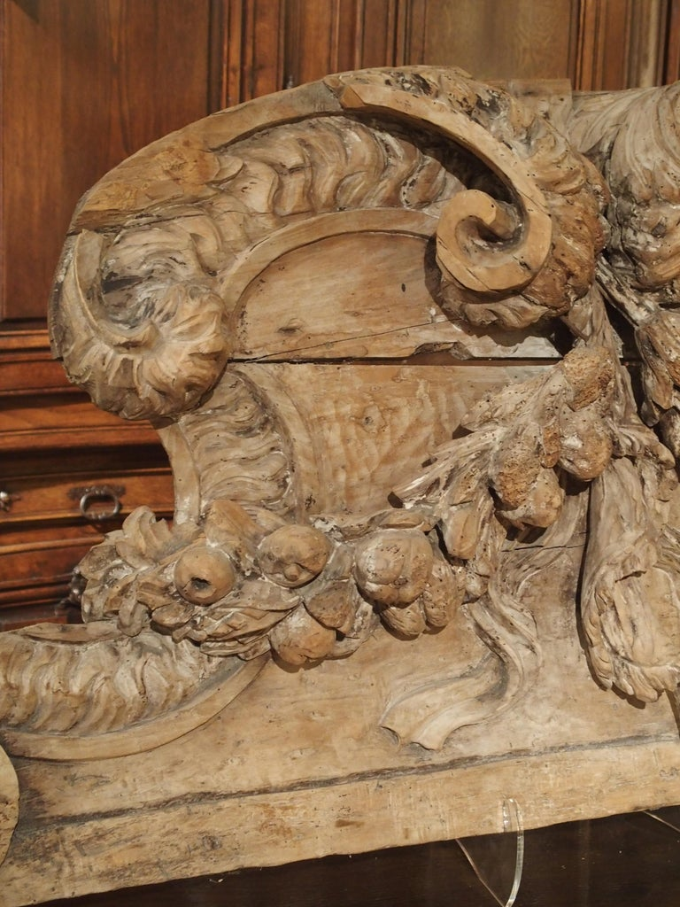 Stripped 19th Century Carved French Overdoor Element For Sale 6