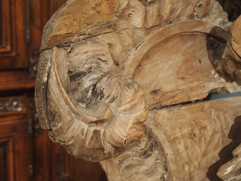 Stripped 19th Century Carved French Overdoor Element In Good Condition For Sale In Dallas, TX