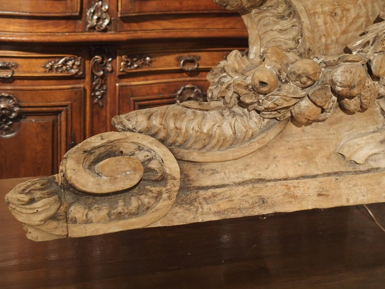 Stripped 19th Century Carved French Overdoor Element For Sale 5