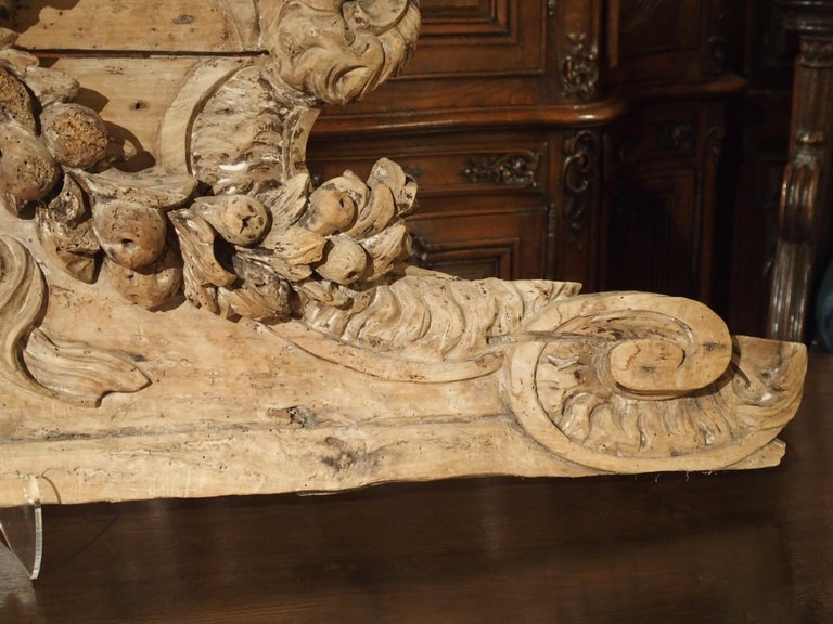 Stripped 19th Century Carved French Overdoor Element For Sale 8