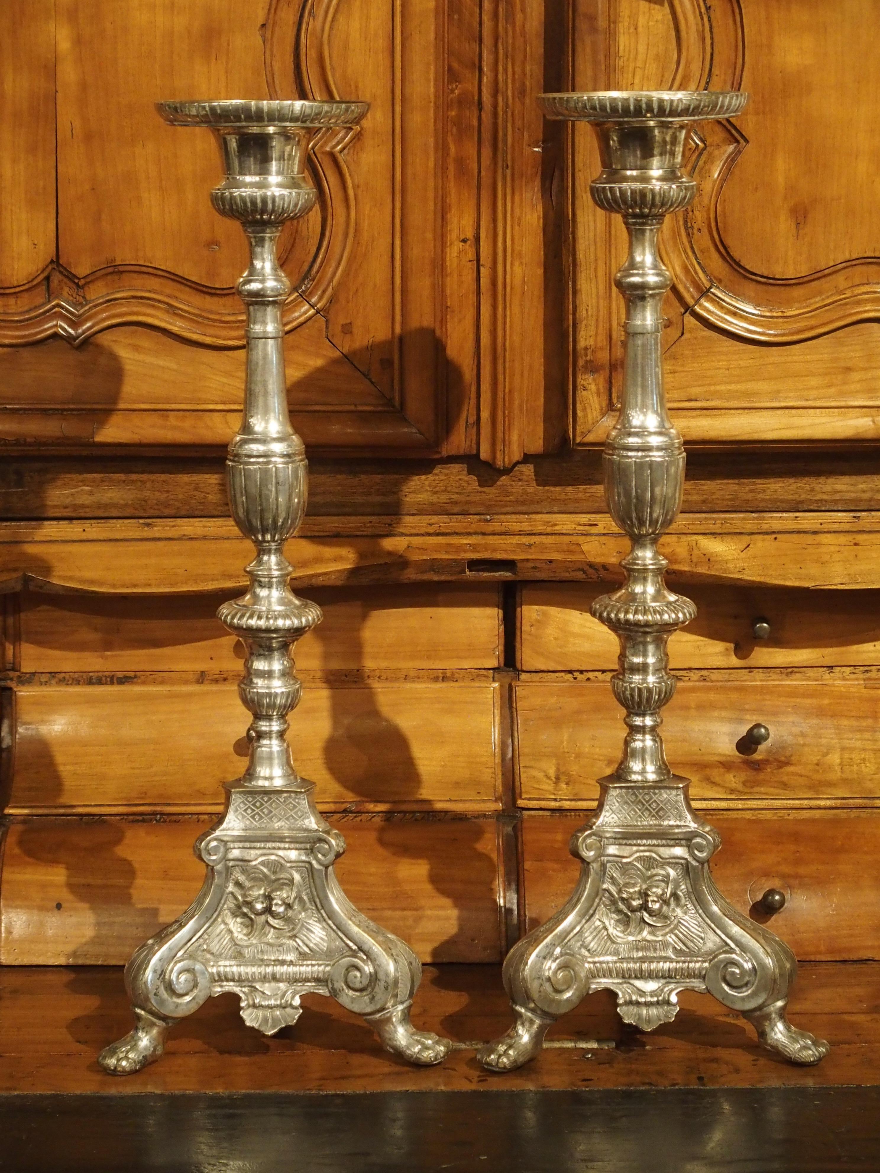 Paar Antike Versilberte Bronze Französische Kerzenleuchter, 19. Jahrhundert  2