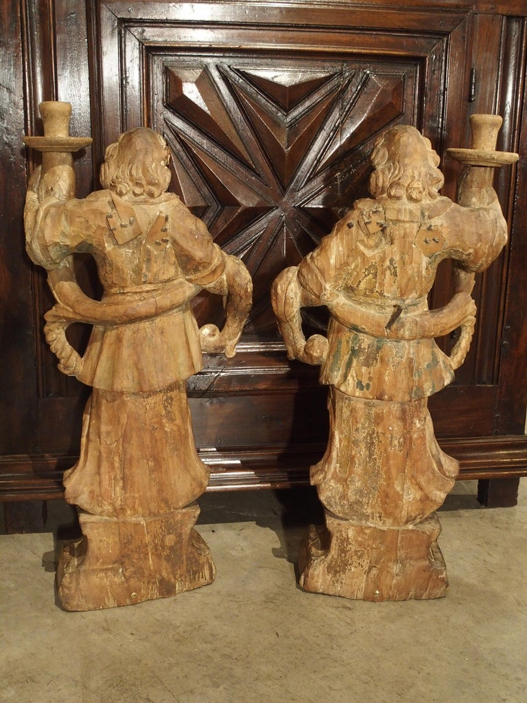 Beautiful Pair of Stripped 17th Century Italian Torchbearer Candleholders For Sale 2