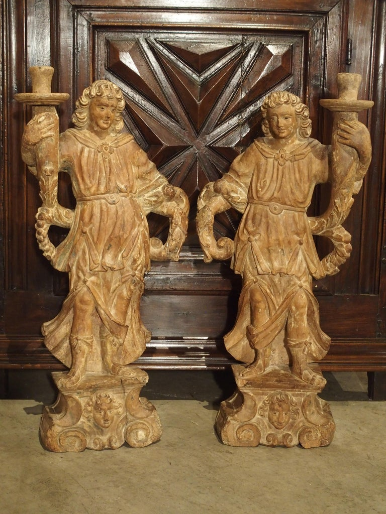 Beautiful Pair of Stripped 17th Century Italian Torchbearer Candleholders For Sale 5