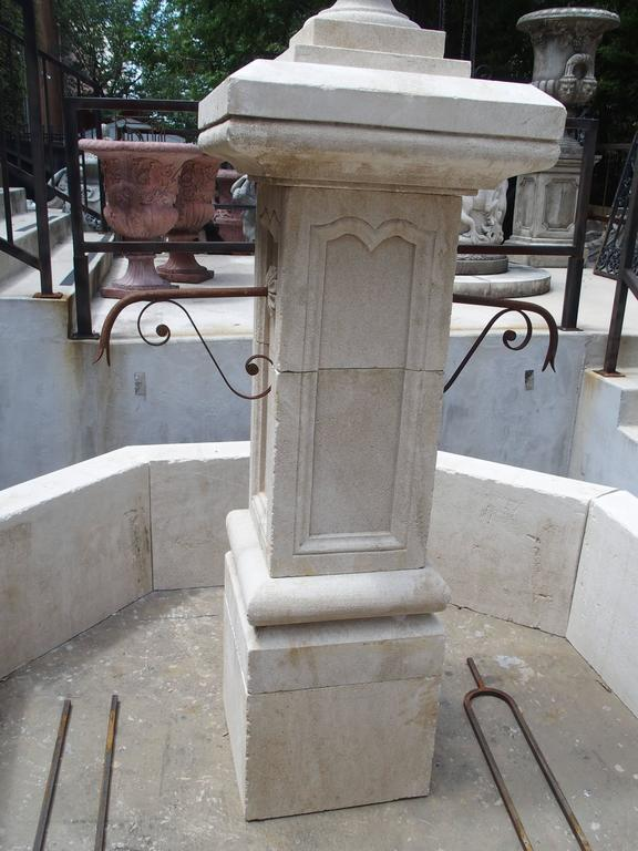 Carved Octagonal Limestone Centre Fountain from Provence For Sale 1