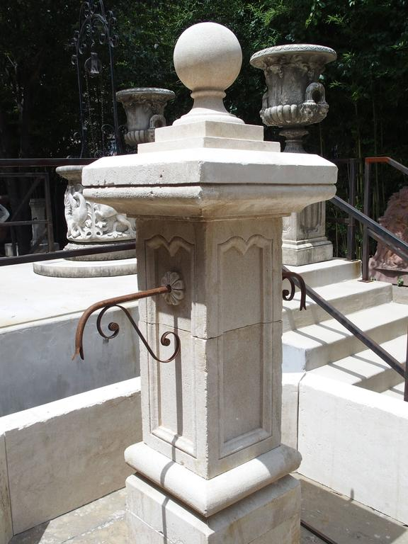 Carved Octagonal Limestone Centre Fountain from Provence For Sale 4