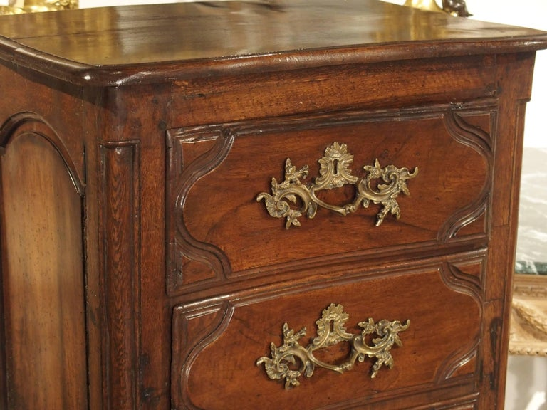 18th Century Walnut and Oak Chiffonier Chest of Drawers from France 3