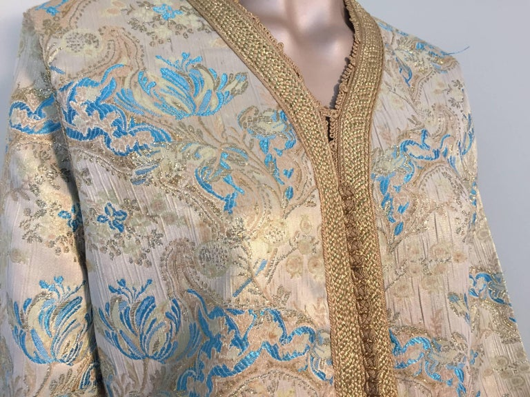 Moroccan Caftan, Turquoise and Gold Brocade Kaftan Size Medium In Good Condition For Sale In North Hollywood, CA