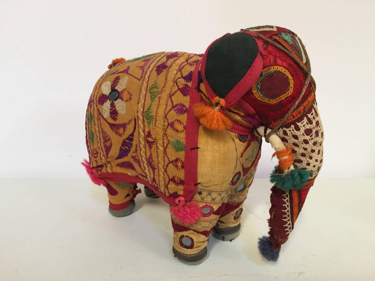 Hand-Crafted Anglo Raj Vintage Stuffed Cotton Embroidered Elephant, India 1950 In Good Condition For Sale In North Hollywood, CA