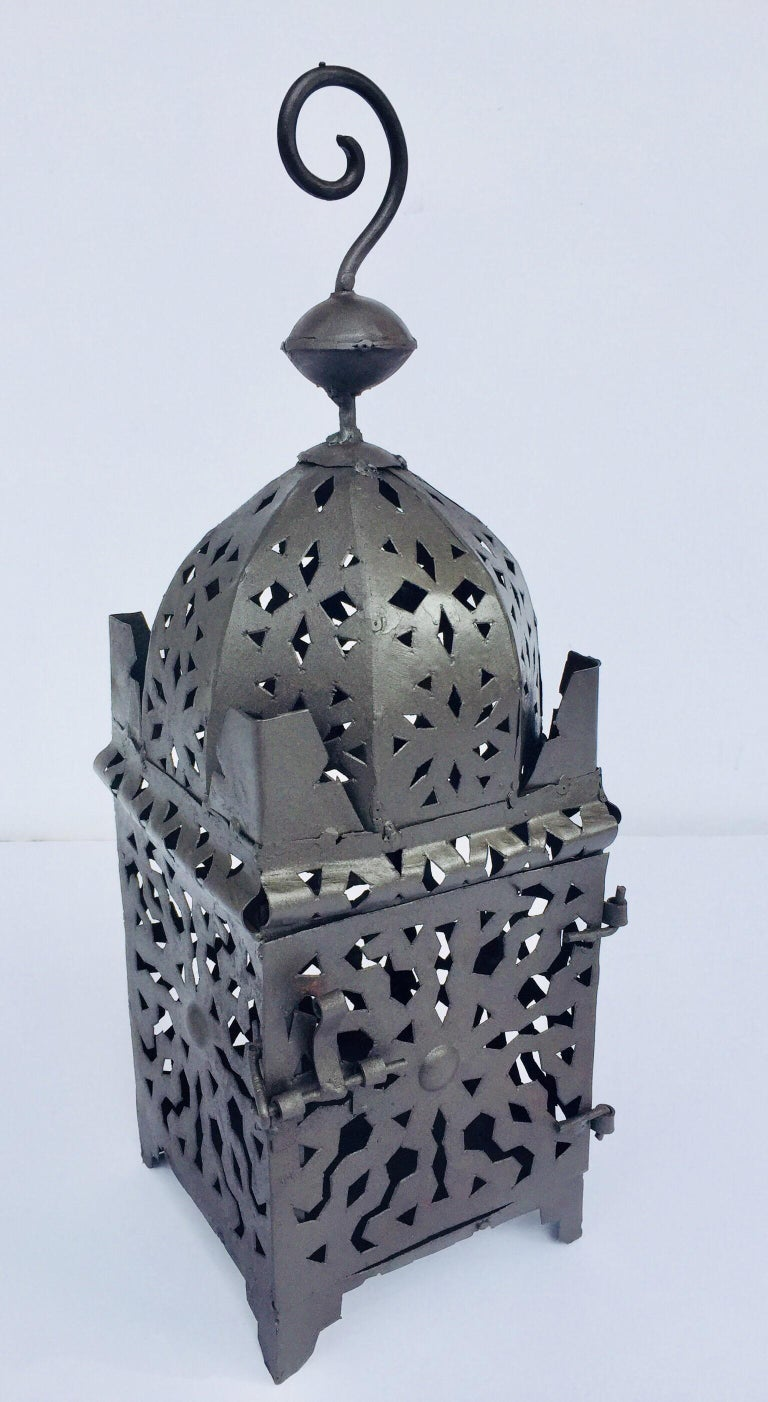 Moroccan Hurricane Metal Candle Lantern Indoor or Outdoor For Sale 10