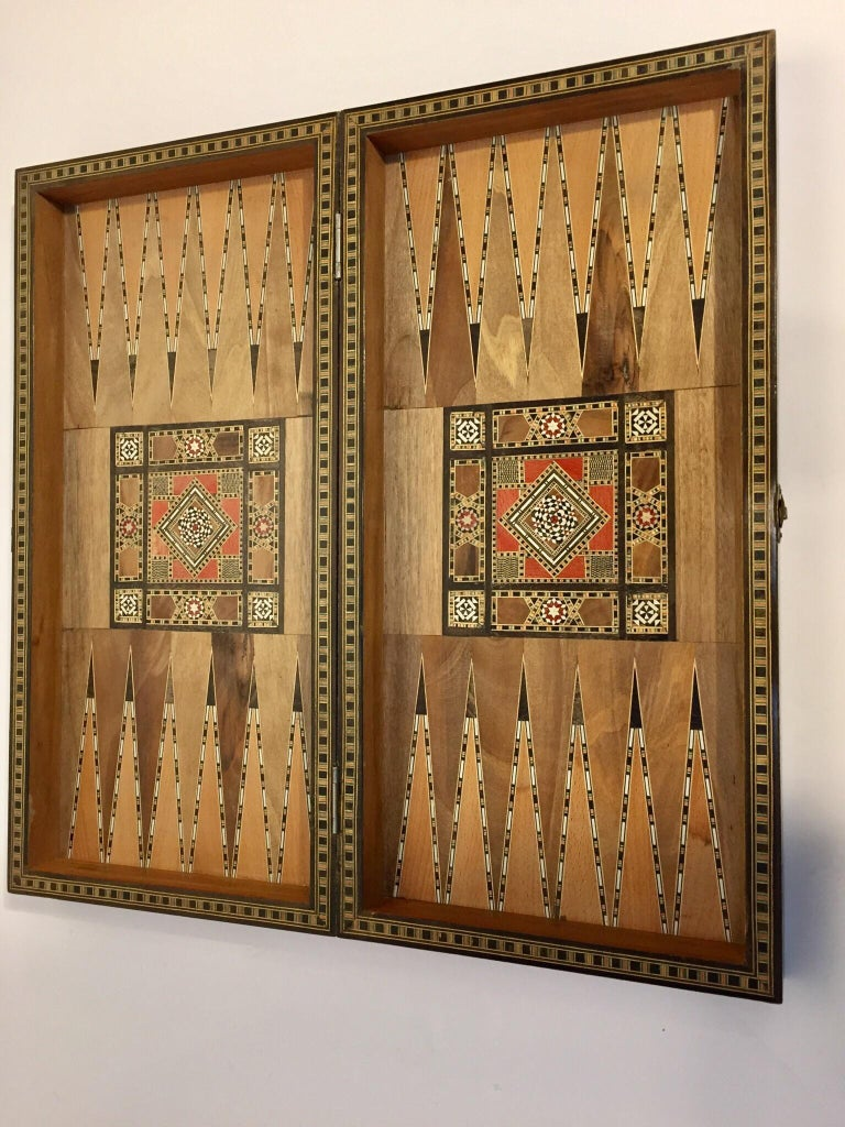 Large Vintage Complete Syrian Inlaid Mosaic Backgammon and Chess Game For Sale 5