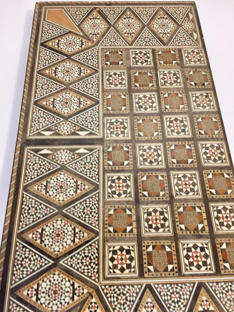 Large Vintage Complete Syrian Inlaid Mosaic Backgammon and Chess Game For Sale 6