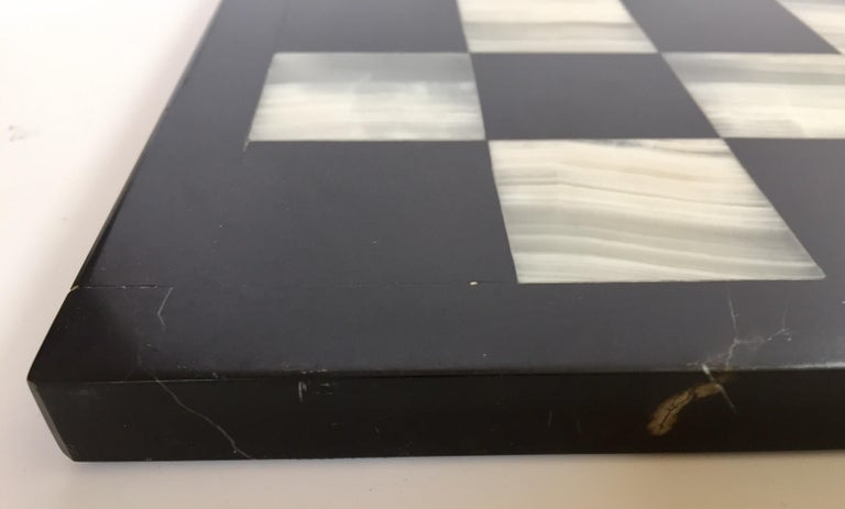 American Vintage Marble Chess Board with Hand Carved Black and White Onyx Chess Pieces For Sale