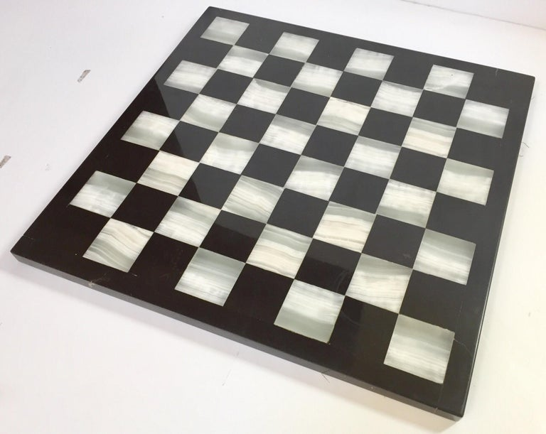 Hand-Carved Vintage Marble Chess Board with Hand Carved Black and White Onyx Chess Pieces For Sale