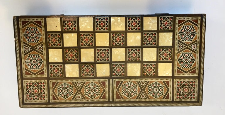 Large Mosaic Syrian Backgammon and Chess Wooden Inlaid Marquetry Box Game For Sale 4
