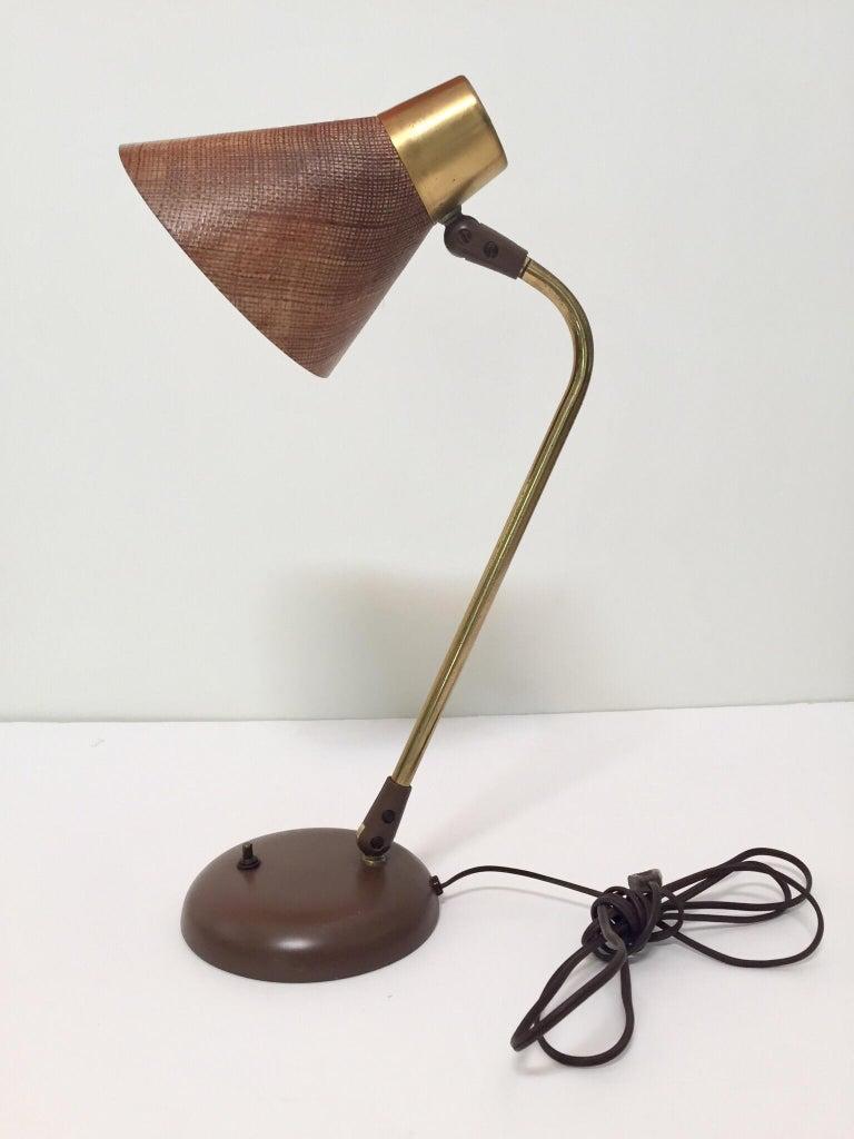 Enameled Gerald Thurston Desk Table Lamp for Lightolier, 1950s For Sale