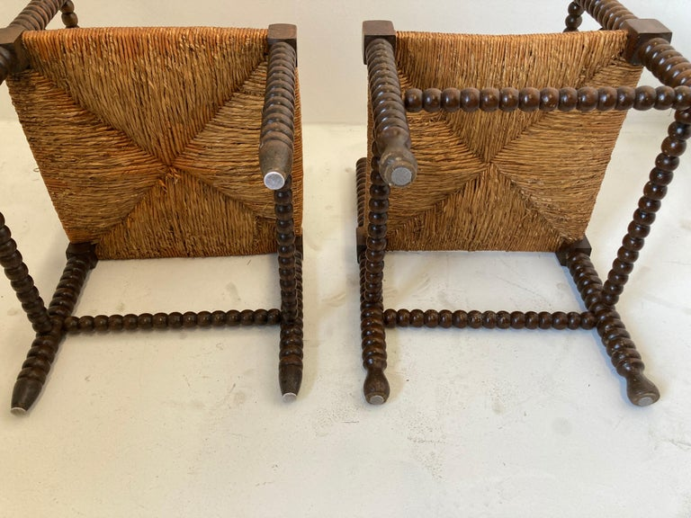 French Rush-Seat Corner Chairs in Turned Oak and Cane, France For Sale 11