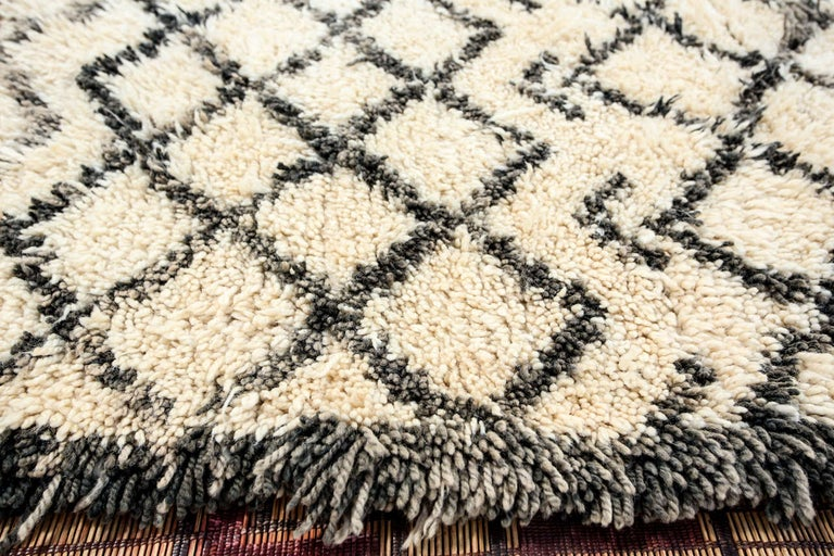 Vintage Midcentury Beni Ouarain Moroccan African Rug For Sale 3