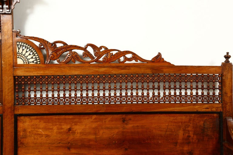 Antique 19th C. Moorish Syrian Settee with Mother-of-Pearl Inlay For Sale 2