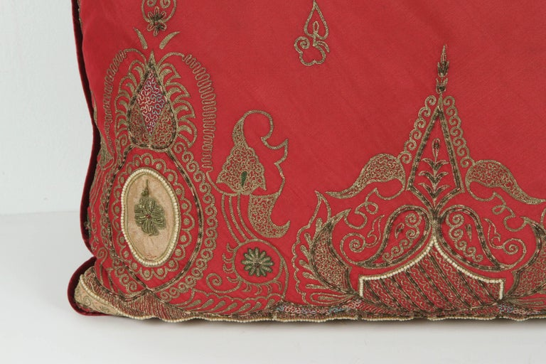 20th Century Pair of Antique Turkish Ottoman Silk Pillows with Metallic Threads For Sale