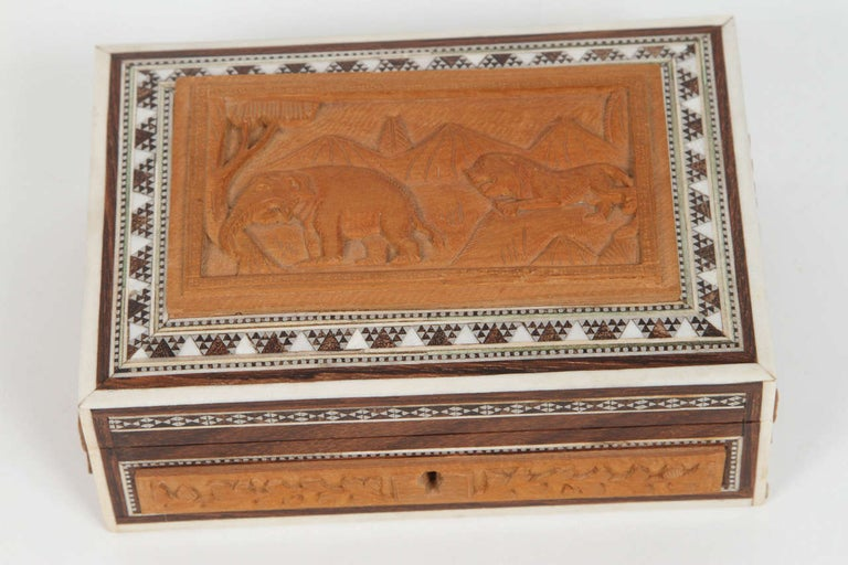 Anglo-Indian jewelry box, inlay with ebony, mosaic Sadeli and mother of pearl and bone. The ancient art of Sadeli Mosaic is said to have been introduced from Shiraz in Persia via Sind to Bombay, a long time before the Anglo Indian boxes were made.