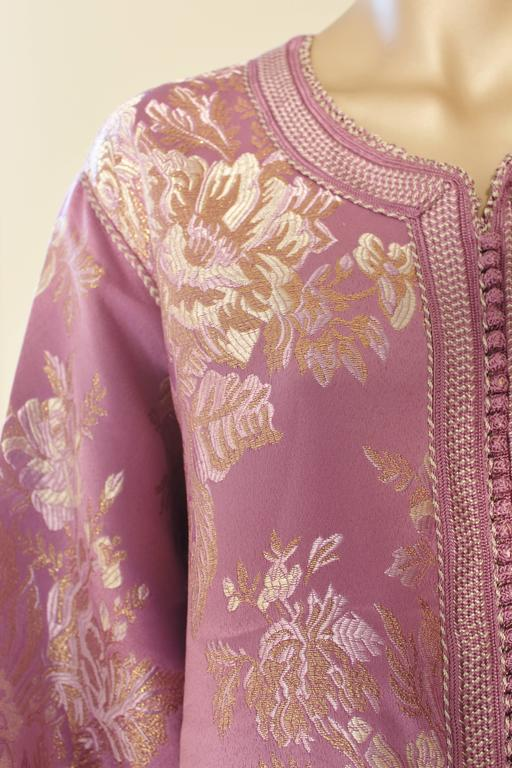 Moroccan Purple Brocade Caftan Gown Maxi Dress Kaftan Size M In Good Condition For Sale In North Hollywood, CA