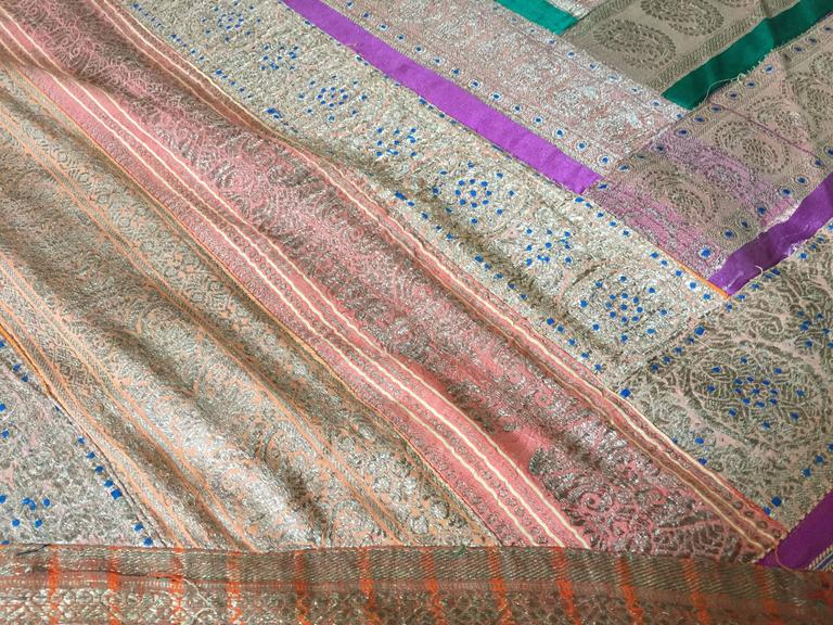 Silk Sari Textile Quilt Patchwork, India In Good Condition For Sale In North Hollywood, CA
