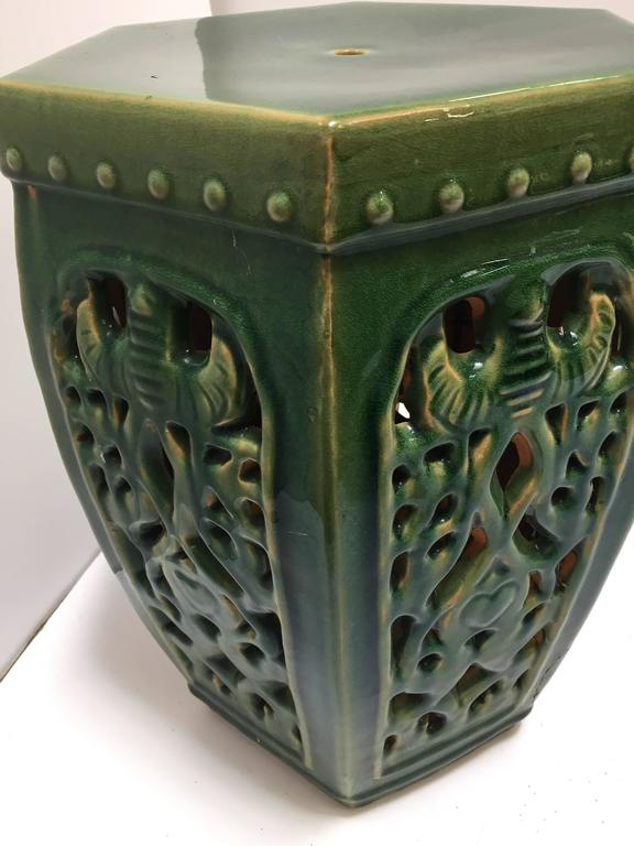 Green Chinese Ceramic Garden Stool In Excellent Condition For Sale In Los Angeles, CA