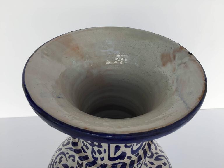Large Moroccan Ceramic Vase from Fez with Blue Calligraphy Writing In Excellent Condition For Sale In Los Angeles, CA