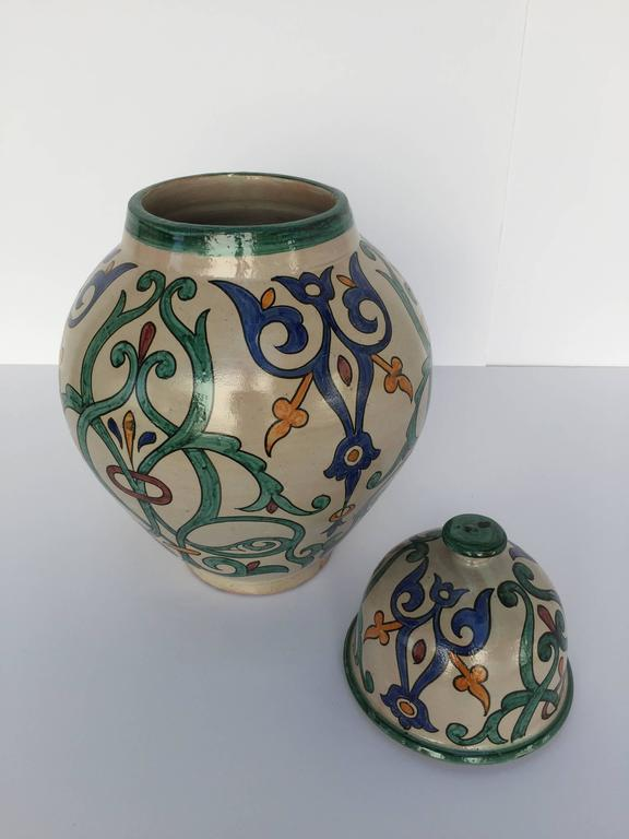 Moroccan Handcrafted Ceramic Lidded Urn from Fez with Moorish Design In Excellent Condition For Sale In Los Angeles, CA