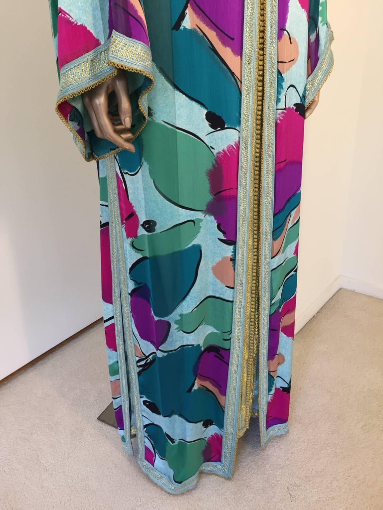 Moroccan Luxury Silk Caftan Gown Maxi Dress In Excellent Condition For Sale In Los Angeles, CA