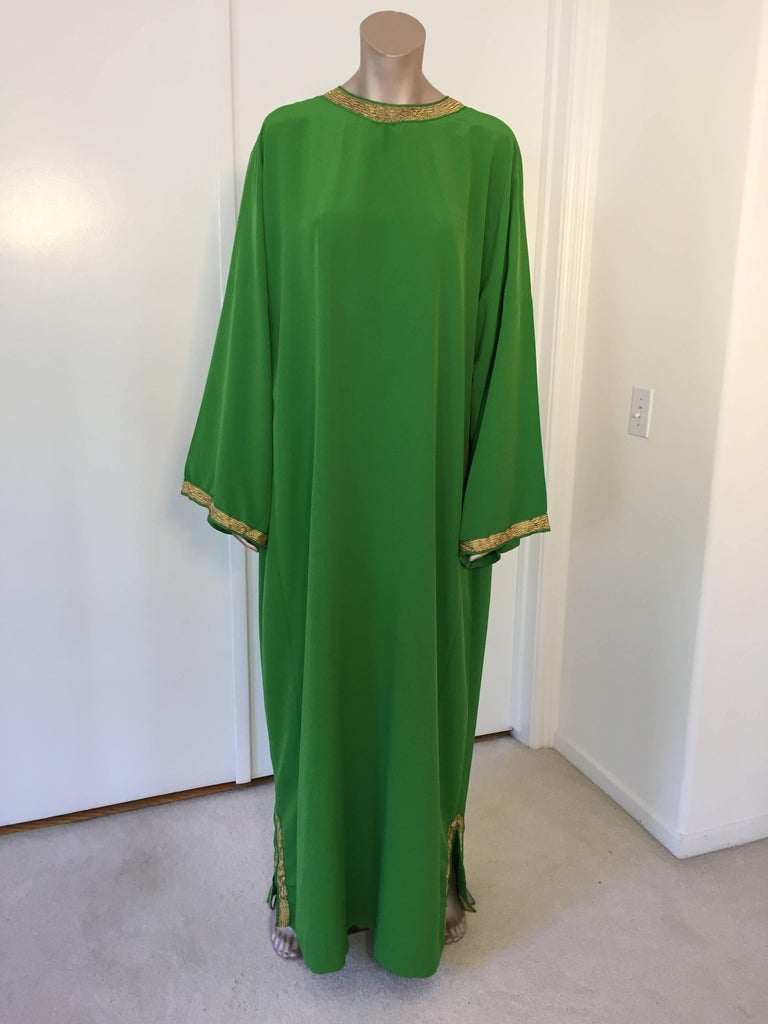 Moroccan Emerald Green Lace and Gold Trim Caftan Set 6
