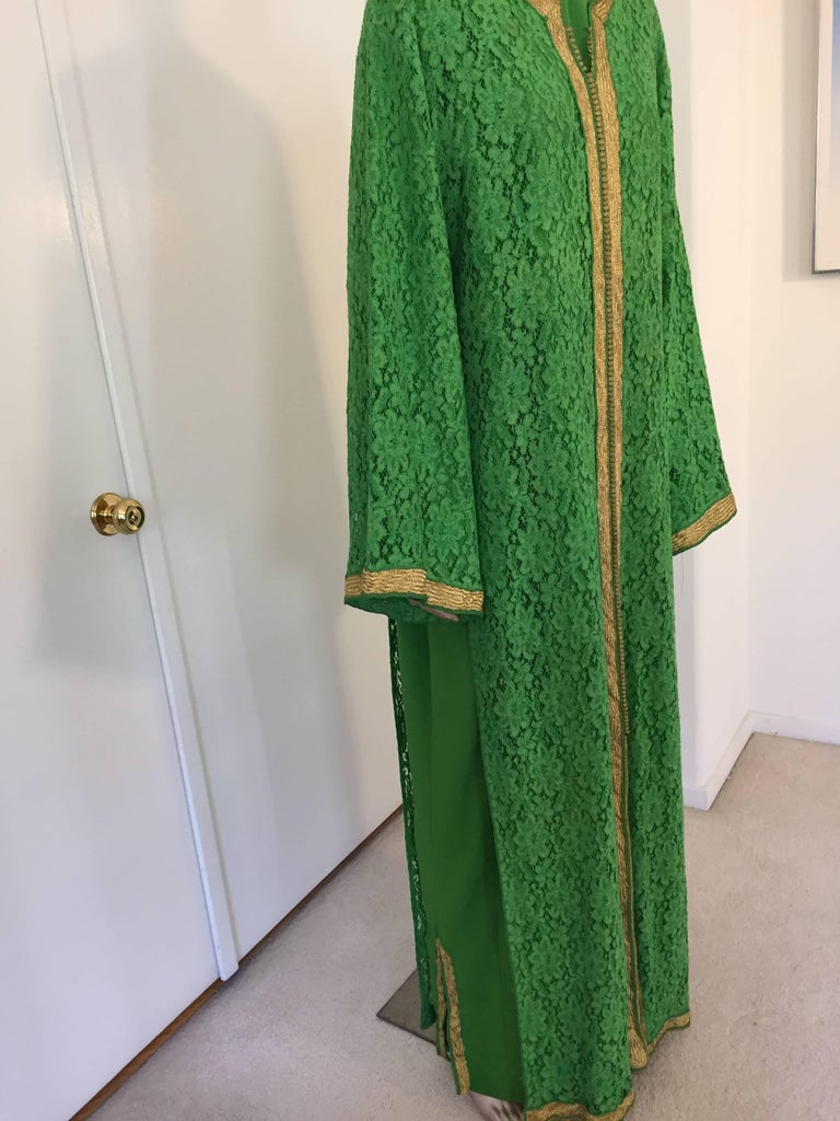 Moroccan Emerald Green Lace and Gold Trim Caftan Set 2