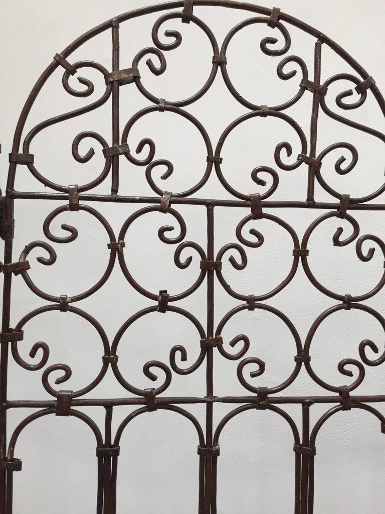 Hand-Forged Iron Three Panels Folding Moorish Screen In Good Condition For Sale In Los Angeles, CA