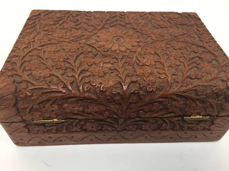 Anglo Raj Hand-Carved Decorative Jewelry Box For Sale 1