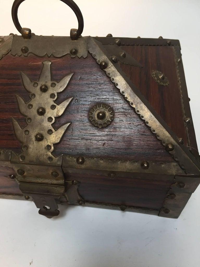 Agra Ethnic Indian Decorative Jewelry Box with Brass, Kerala Nettur Petti For Sale