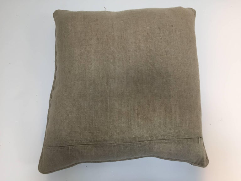 Accent Pillow Embroidered with Moorish Metallic Threads Design In Good Condition For Sale In Los Angeles, CA