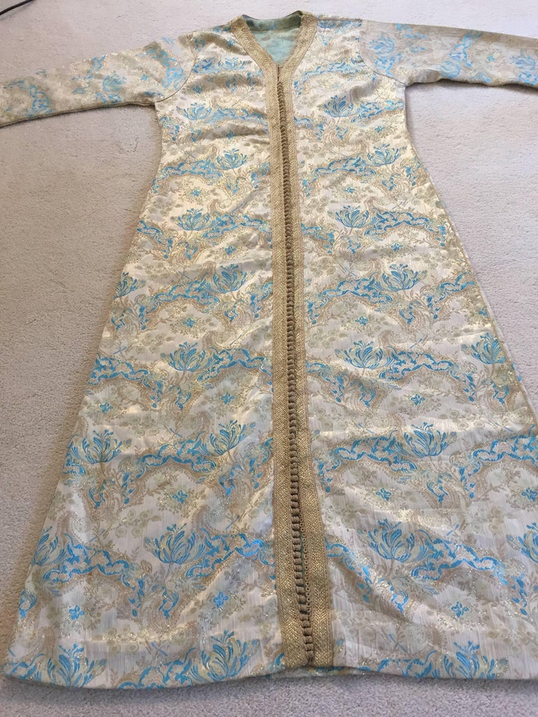 Moroccan Caftan, Turquoise and Gold Brocade Kaftan Size Medium For Sale 2