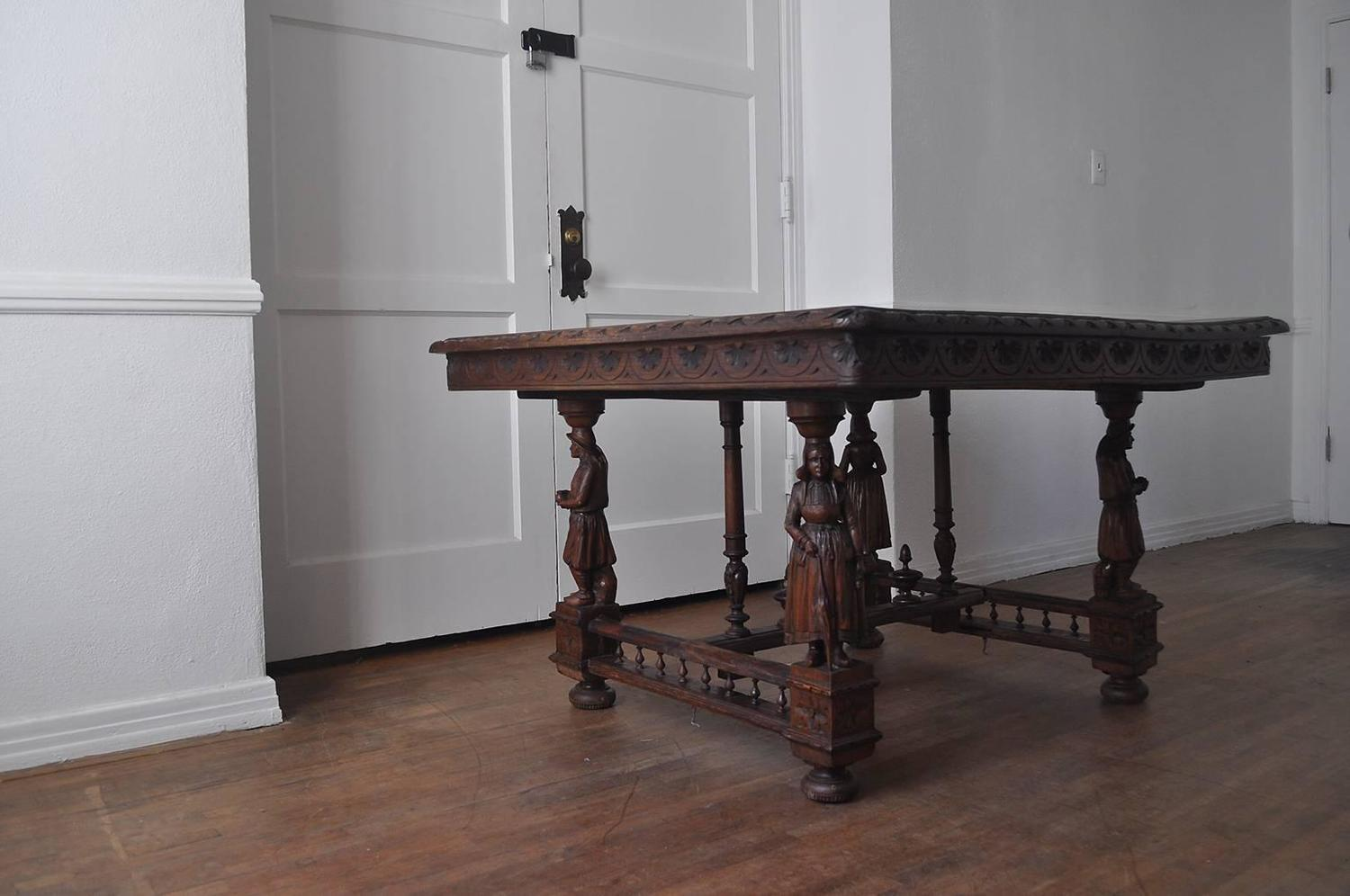 Late Victorian Dining Table For Sale at 1stdibs : LATEVICTORIANDINETABLE2z from www.1stdibs.com size 1500 x 996 jpeg 102kB