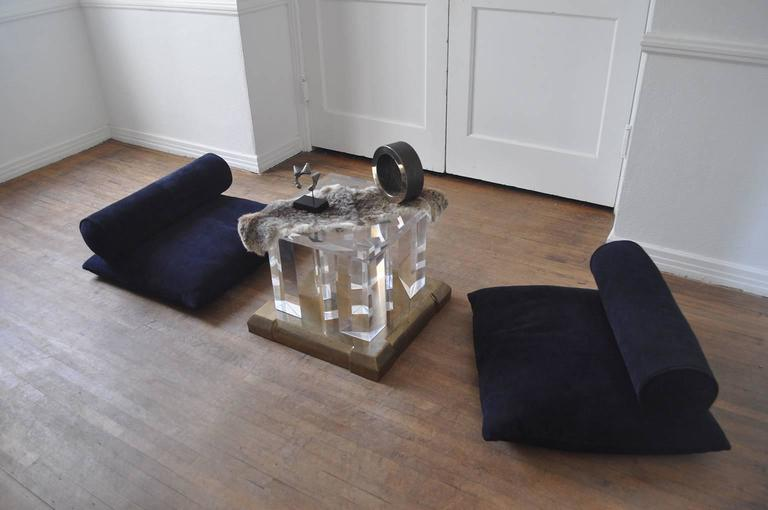 1970s Lucite and Brass Side Table For Sale 2