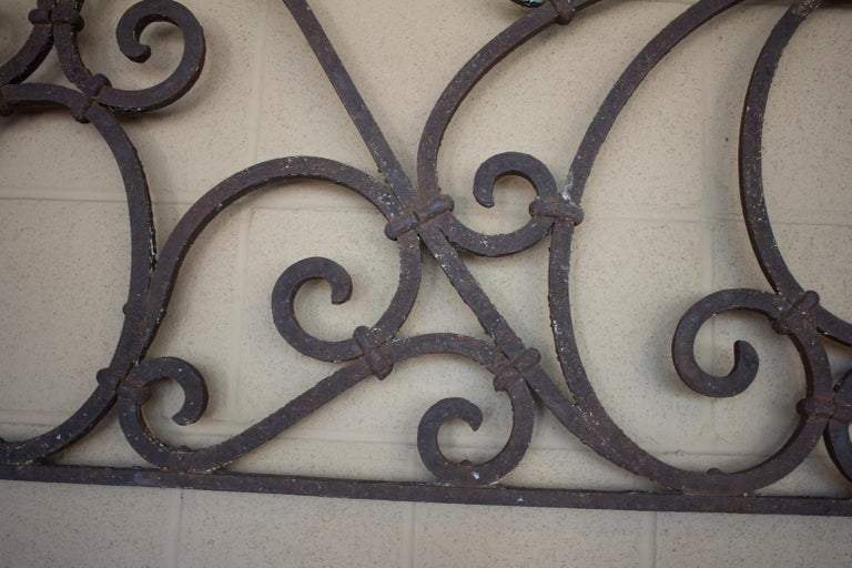 Antique American Arts & Crafts Wrought Iron Transom In Good Condition For Sale In Calgary, Alberta